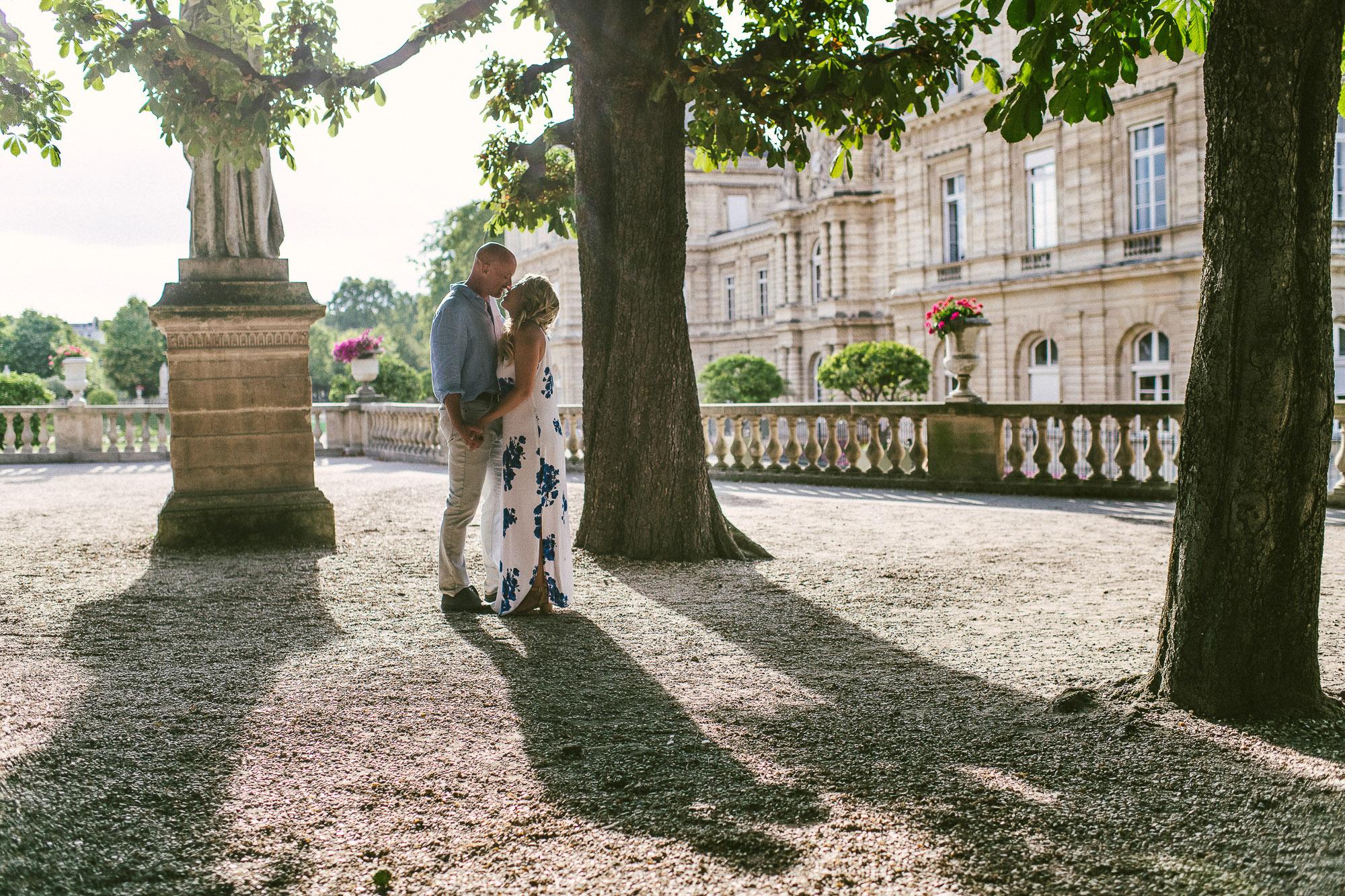 engagement photos Paris
