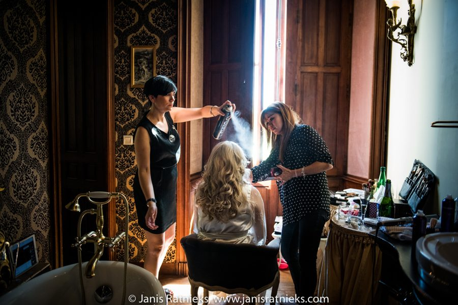 hair and make up artists in France