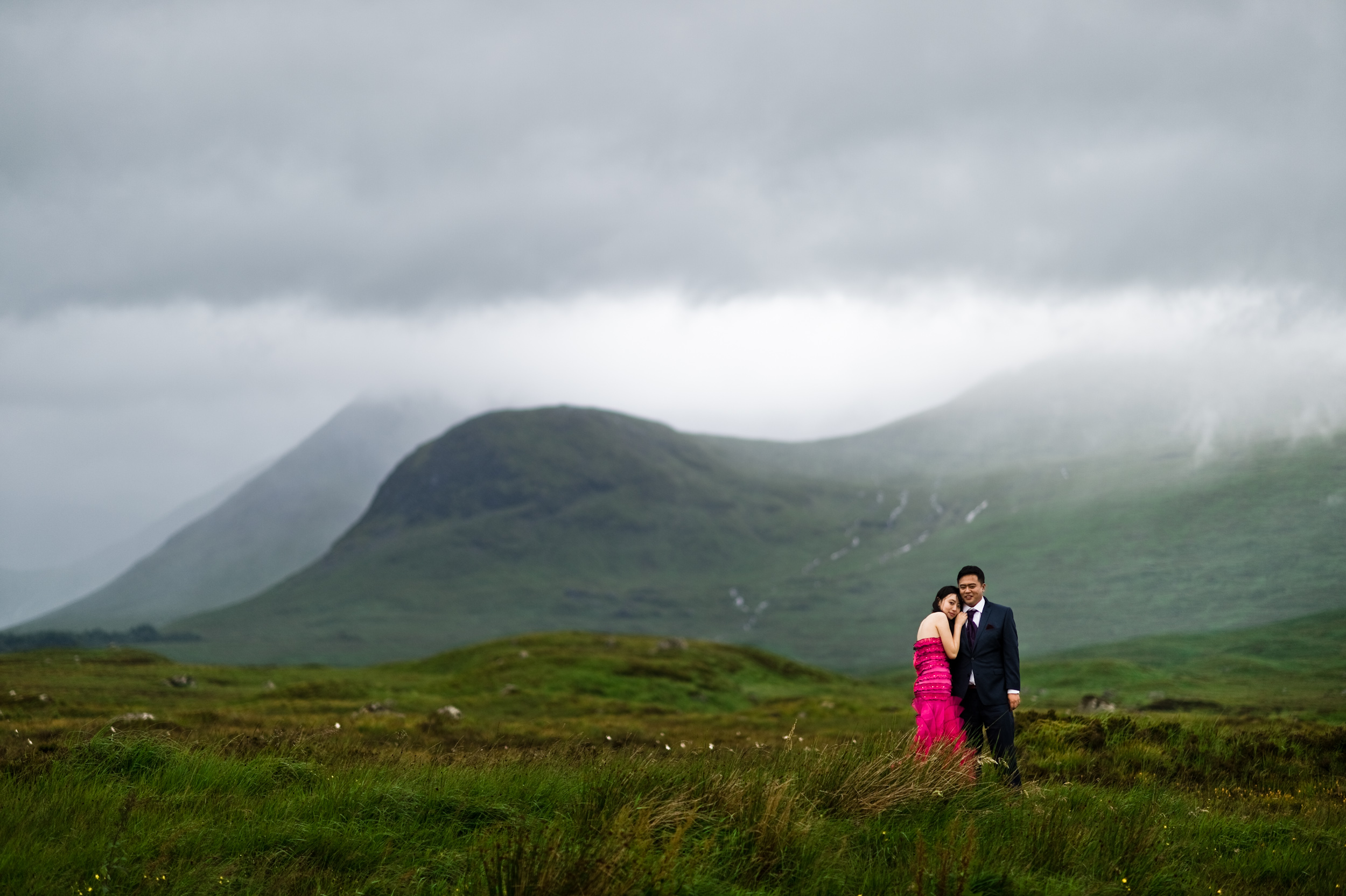 wedding photographer in Scotland highlands