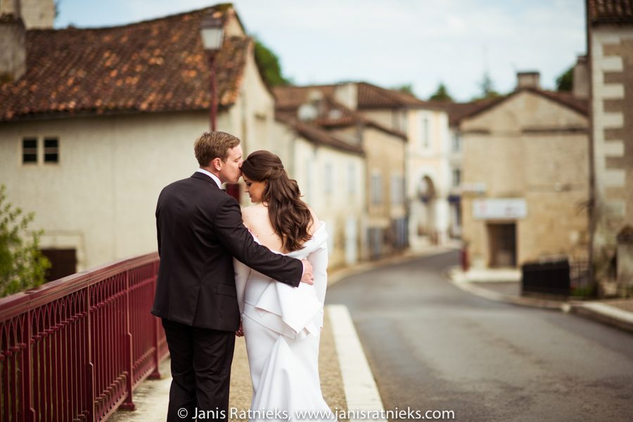 Chateau de la Couronne wedding photographer