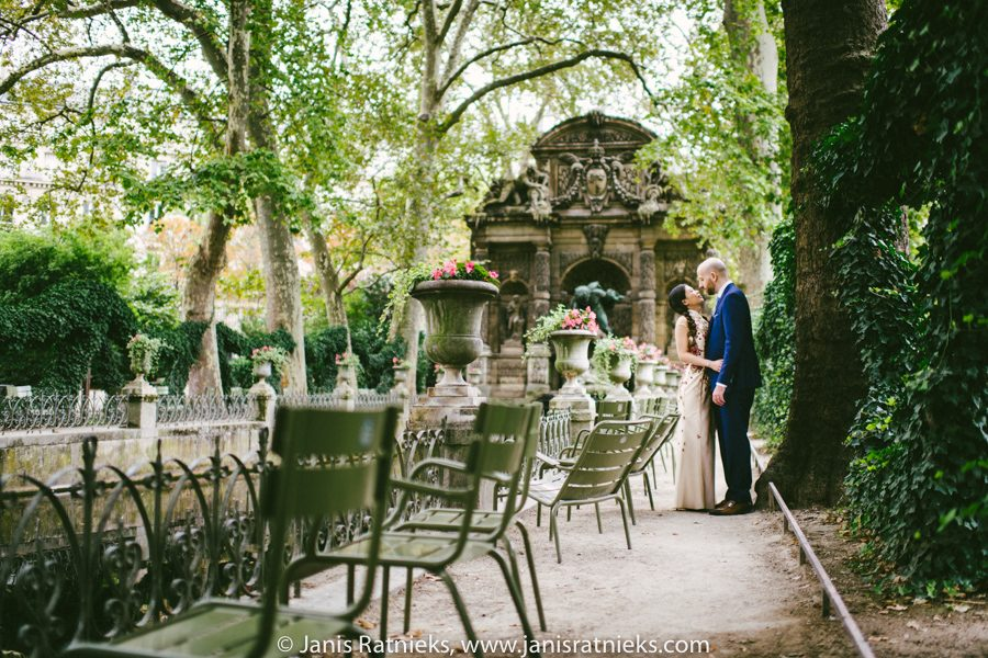 Paris park wedding photos