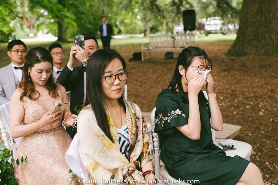 chinese wedding ceremony france girl crying