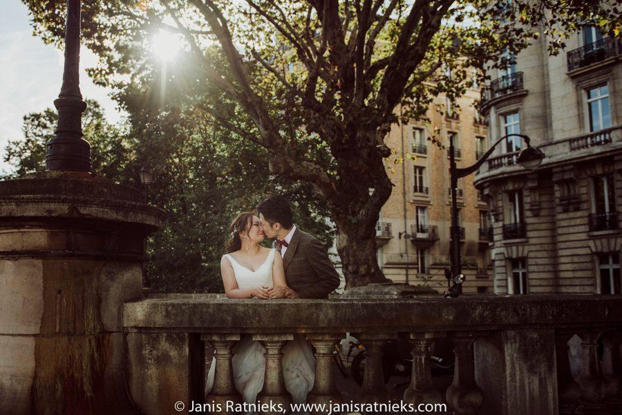 elope in France
