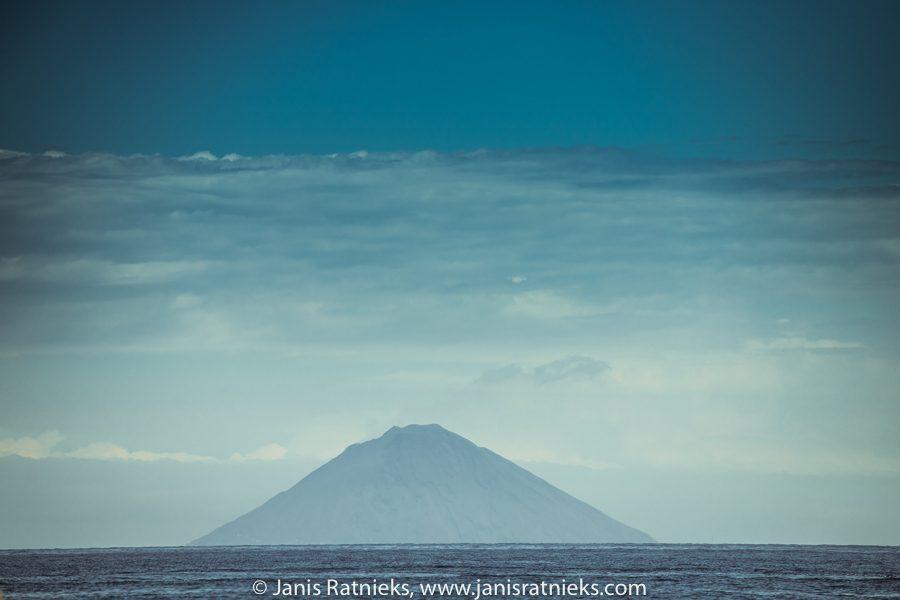 sicily volcano stromboli