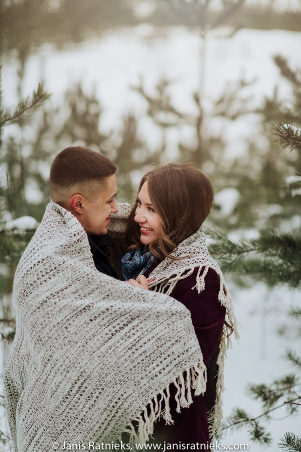 pre wedding photos winter