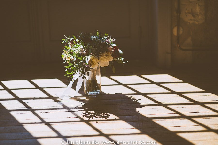 wedding florals bordeaux