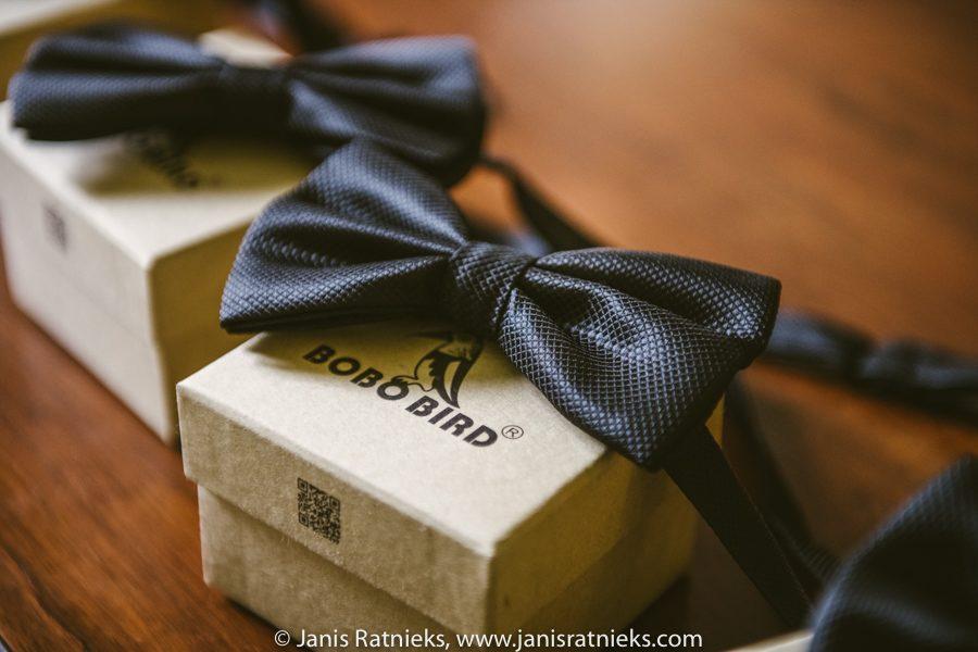 grooms presents