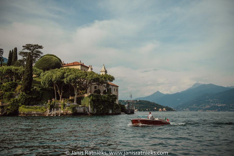 villa wedding photographer Como, villa Balbianello in the background