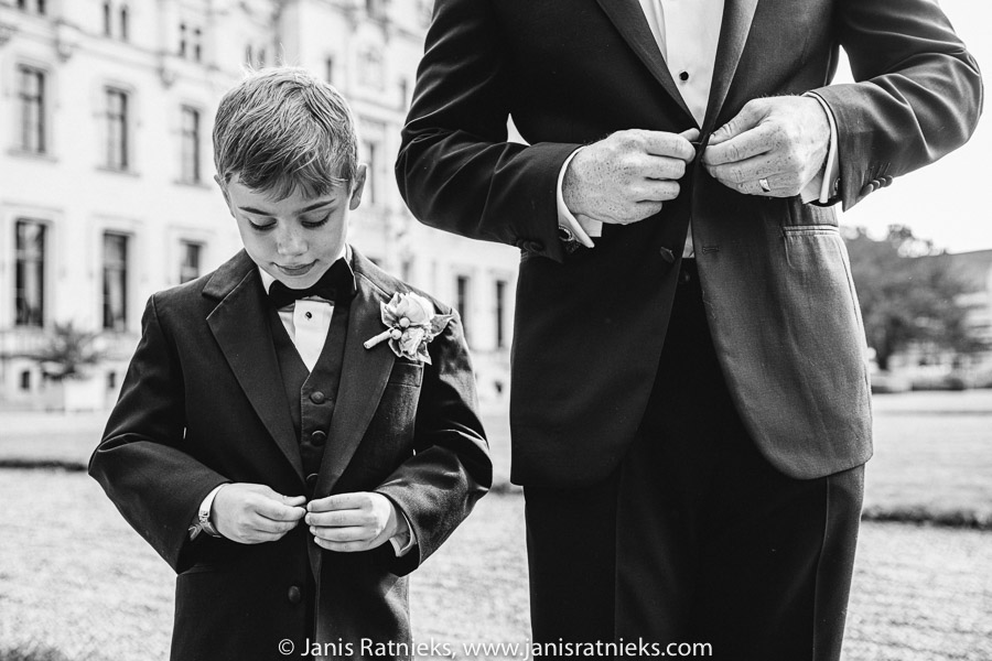 black and white documentary wedding photographer