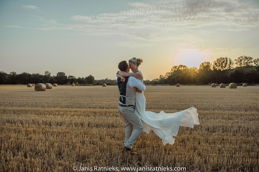 english speaking wedding photographer in Charente