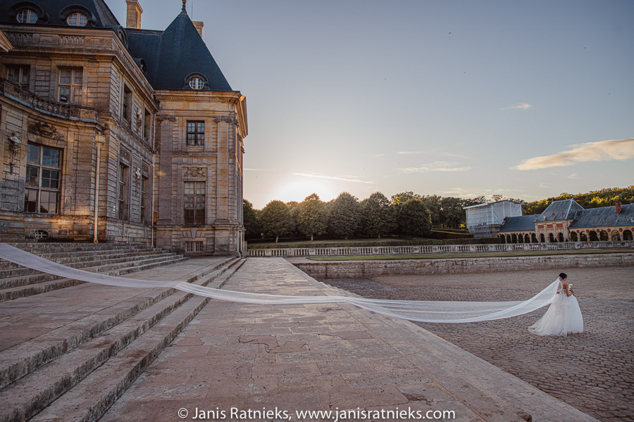 vaux le vicomte castle wedding
