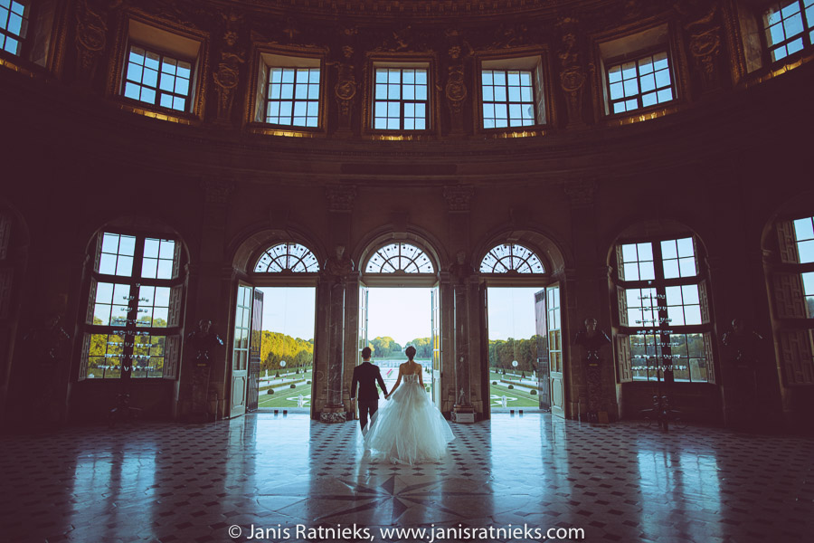 vaux le vicomte chateau wedding