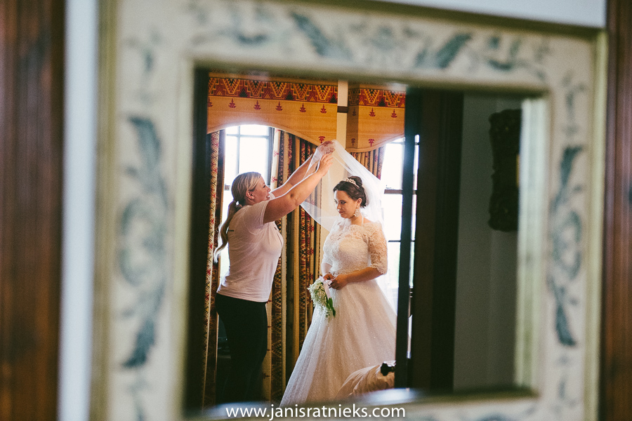 classic wedding in scotland