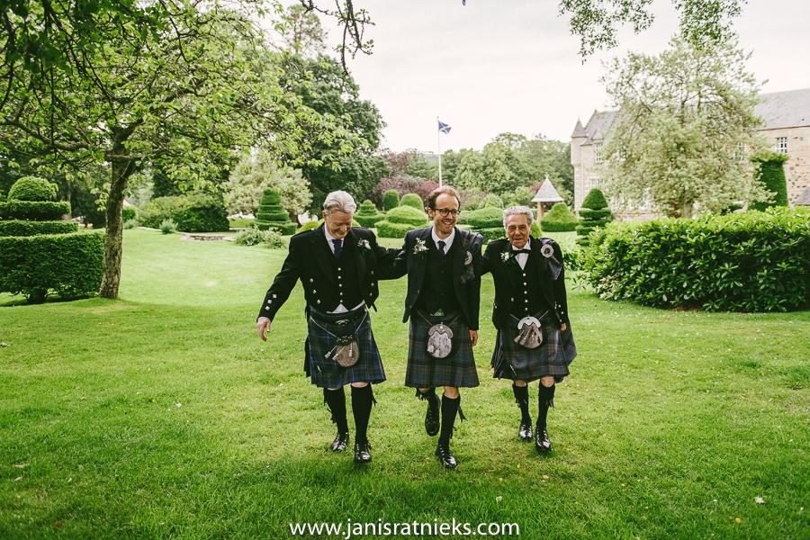 traditional Scottish wedding kilt