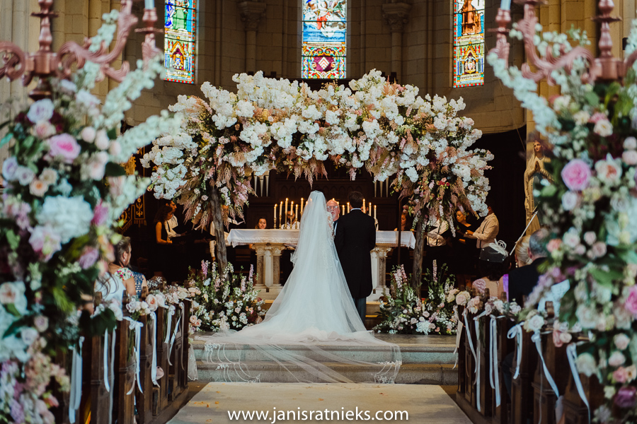 church wedding flowers altar