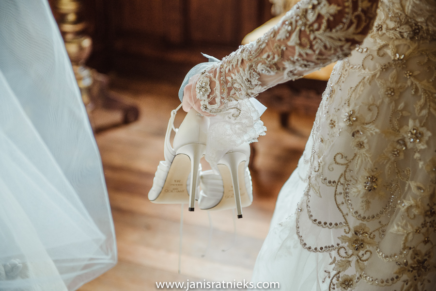 romantic wedding shoes