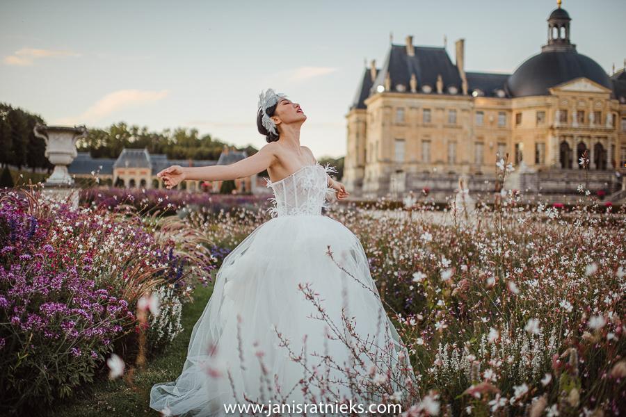 Dior pre wedding Château de Vaux-le-Vicomte