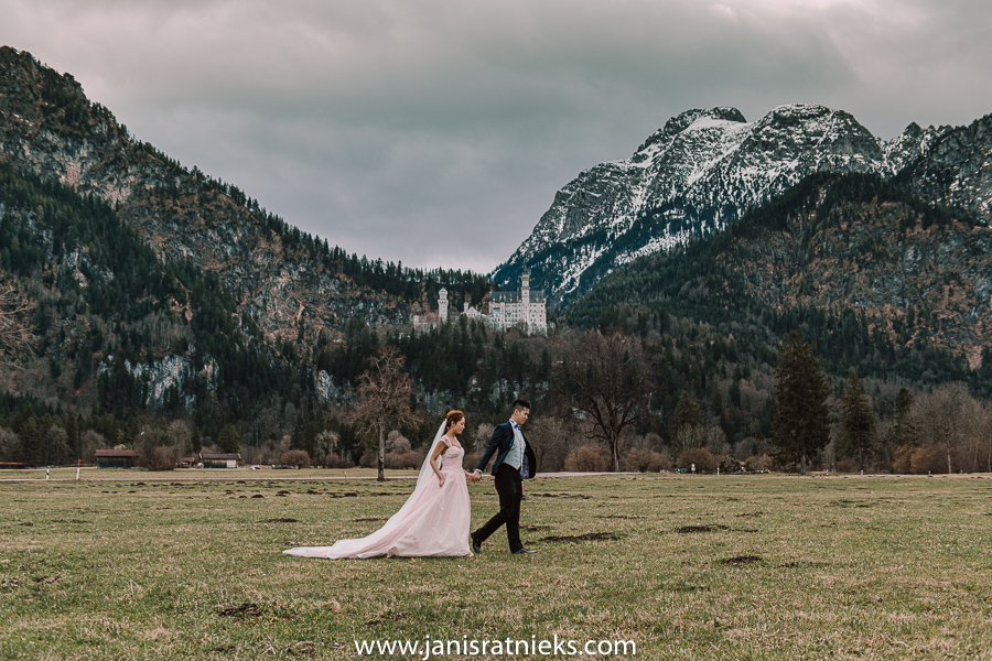 Neuscwanstein elopement German Alps