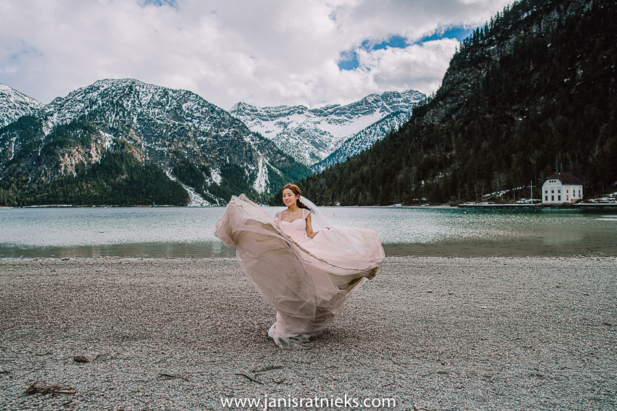 pre-wedding Alps photographer