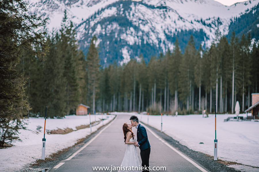 winter pre- wedding photos