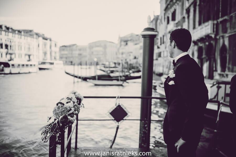 groom in Venice