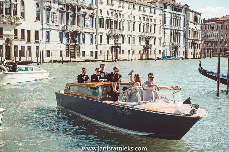 wedding party boat Venice