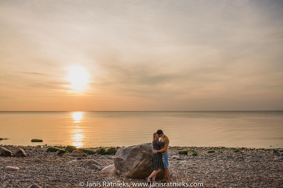 pludmales saulrieta fotosesija