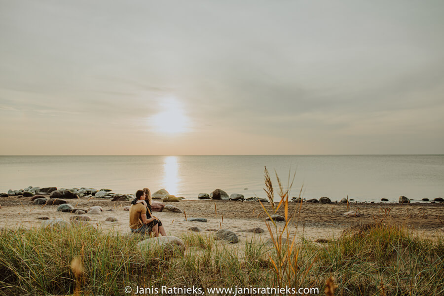 beach prewedding shoot in sunset