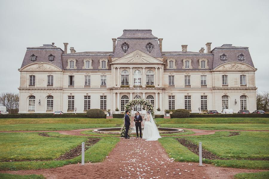 An intimate wedding at Chateau D'Artigny