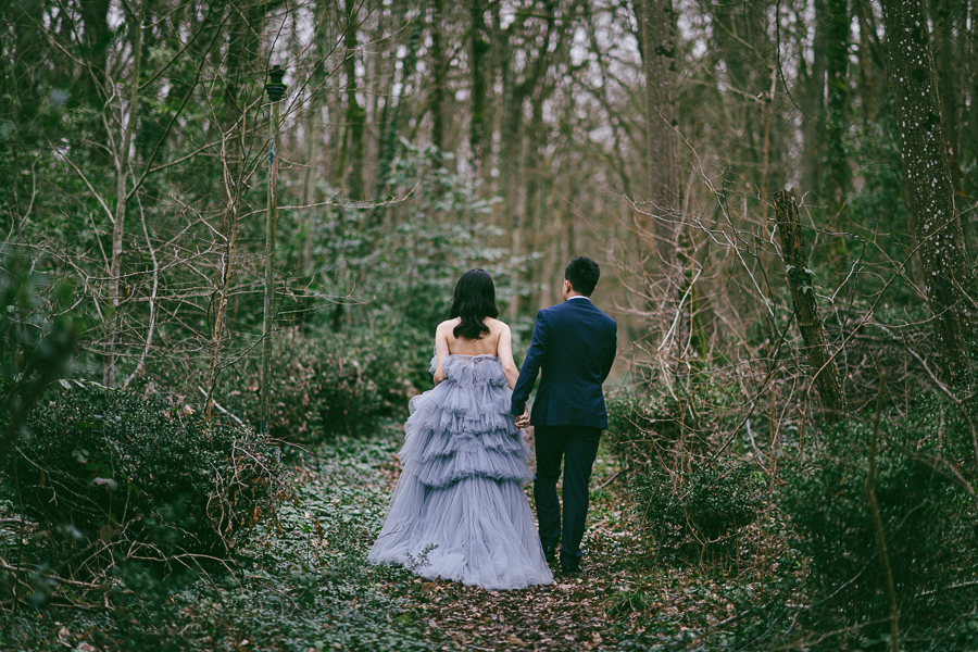 An intimate elopement in Forest
