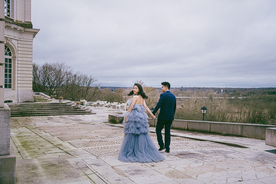 Lucia's bluish-gray dress matched the bluish-gray sky perfectly