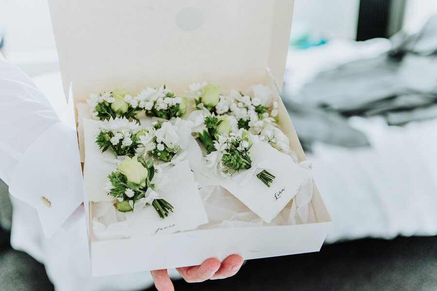boutpouniere wedding